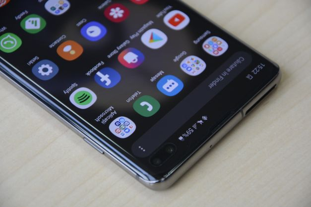 Samsung Galaxy S10 +: Performance on all fronts (TECH REVIEW)