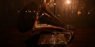 Taylor Swift, Dua Lipa, Post Malone şi Harry Styles, pe scena galei premiilor Grammy 2021